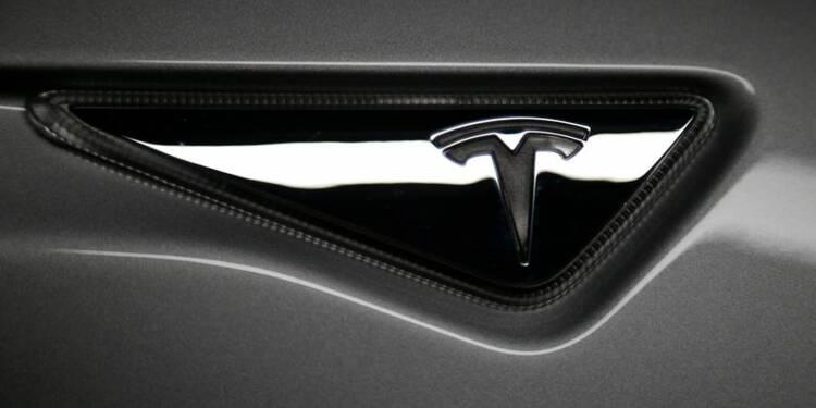 Daimler va sortir du capital de Tesla