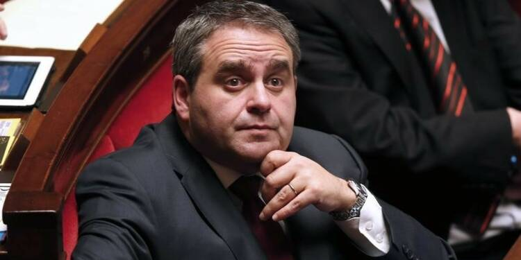 Bertrand prêt à en découdre avec Marine Le Pen aux régionales