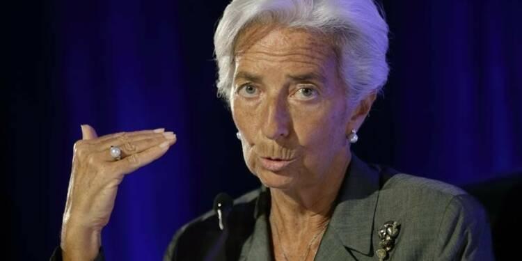 Lagarde appelle Paris à avancer sur les déficits et les réformes