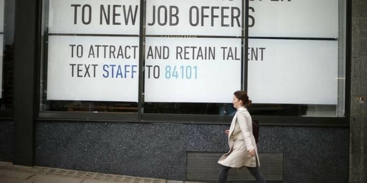 Le chômage recule au Royaume-Uni, les salaires aussi
