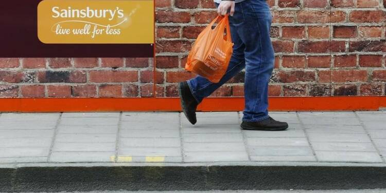 Sainsbury's reste prudent malgré de bonnes ventes de Noël