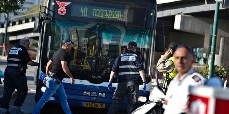 Un Palestinien blesse sept personnes dans un bus à Tel Aviv