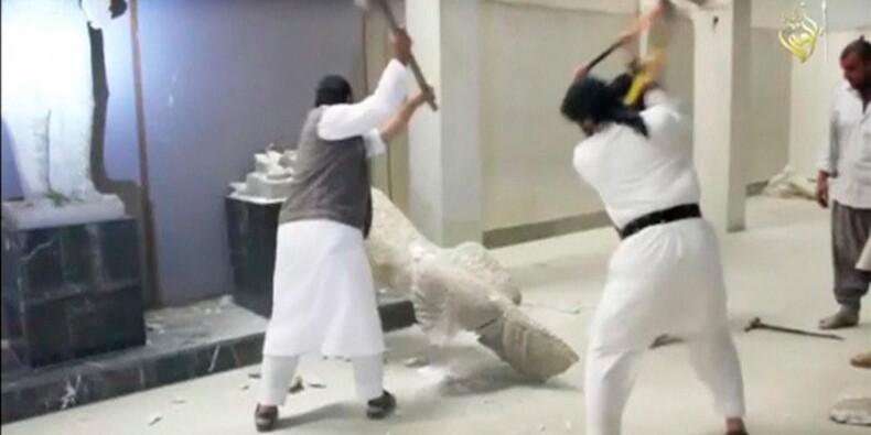 Paris dénonce la destruction de sculptures par l'EI à Mossoul