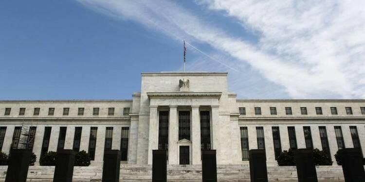 L'économie américaine continue de croître modérément, dit la Fed
