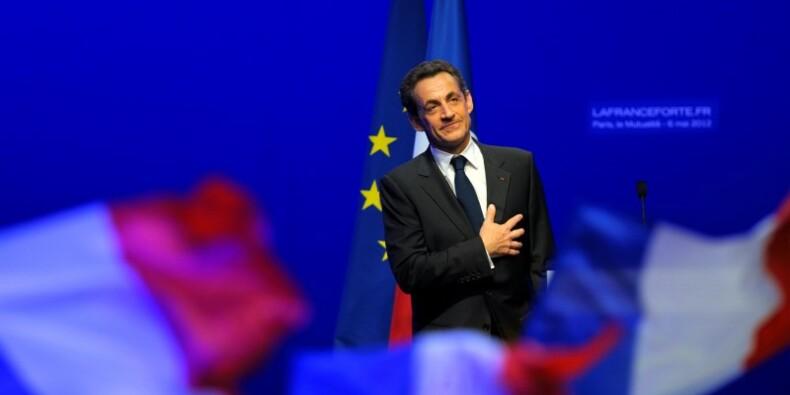"""Nicolas Sarkozy revient pour """"réinventer"""" la politique"""