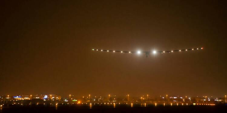 L'avion solaire Solar Impulse a atterri en Inde