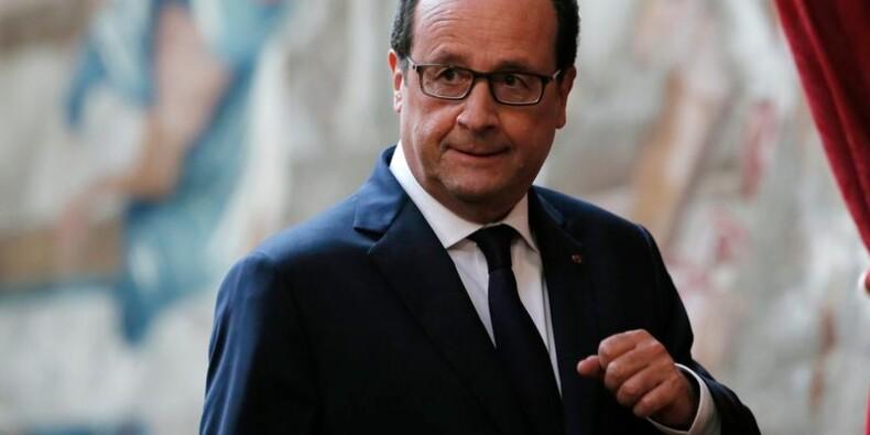 Concentré sur la diplomatie, Hollande enjambe le retour de Sarkozy