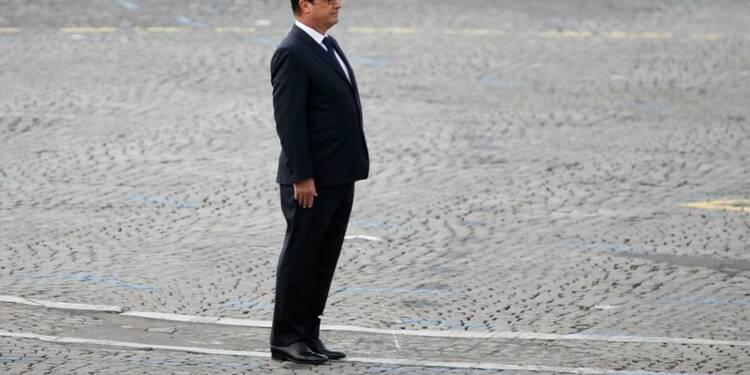 Hollande balaye les accusations de Sarkozy sur la justice