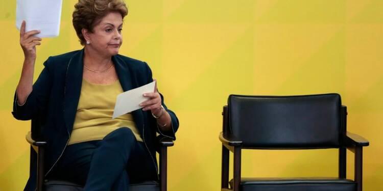 Dilma Rousseff défend sa politique d'austérité pour le Brésil