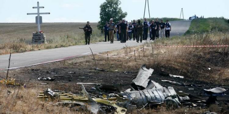 Combats dans Donetsk, début de l'enquête sur le vol MH17