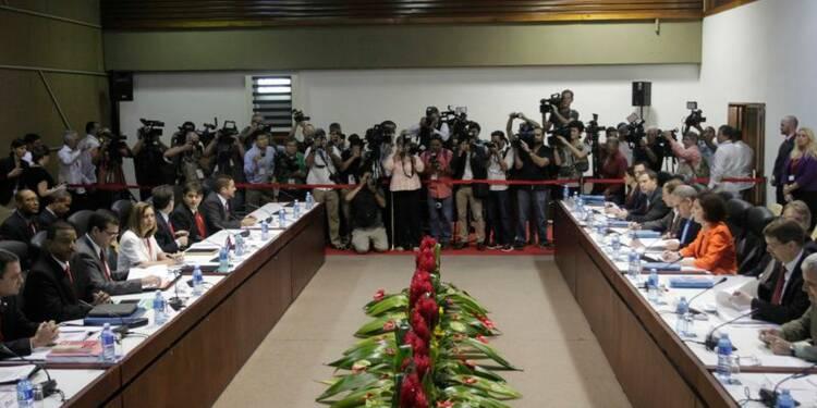 Fin des premières discussions entre Américains et Cubains