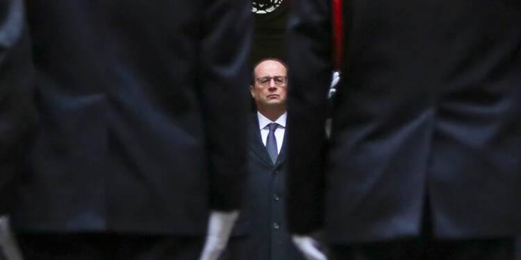 Hollande ravive l'unité nationale face au choc Charlie Hebdo