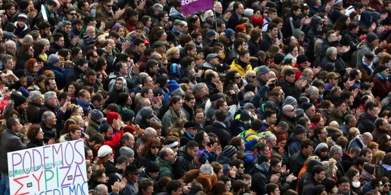 Les Espagnols manifestent en masse contre l'austérité