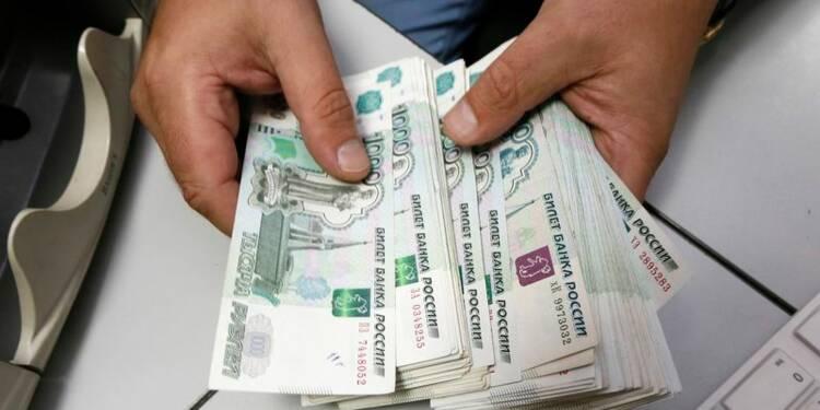Accord entre Moscou et exportateurs pour stabiliser le rouble