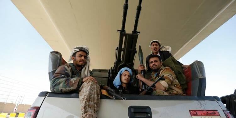 Au Yémen, les miliciens houthis nient avoir renversé le président
