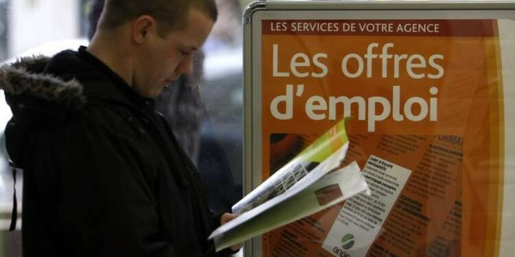 Les syndicats révoltés par les propos de Rebsamen sur le chômage