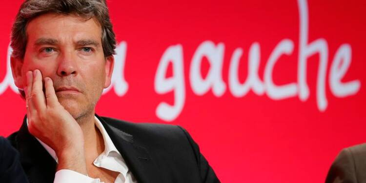 """Montebourg dénonce """"la grande constance dans l'erreur"""" de Hollande"""