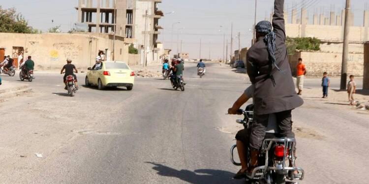 Plus de 500 morts dans la prise de Tabka, en Syrie, selon l'OSDH