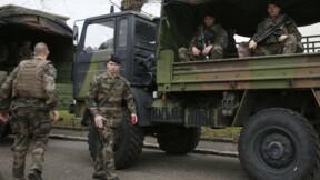 Raffarin demande à Hollande d'arbitrer sur le budget défense