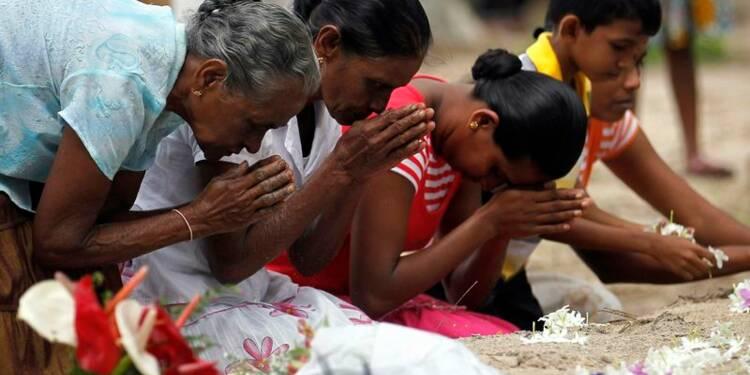 Hommages aux victimes du tsunami en Asie, dix ans après