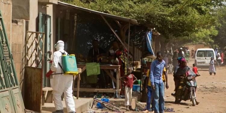 Mesures renforcées au Mali contre Ebola, espoir au Liberia
