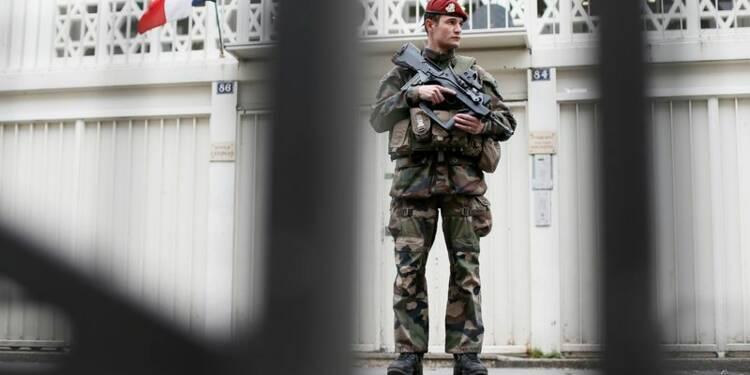 Le plan Vigipirate maintenu, 10.000 militaires déployés