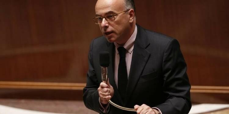 Bernard Cazeneuve promet de rétablir l'ordre à Corbeil-Essonnes