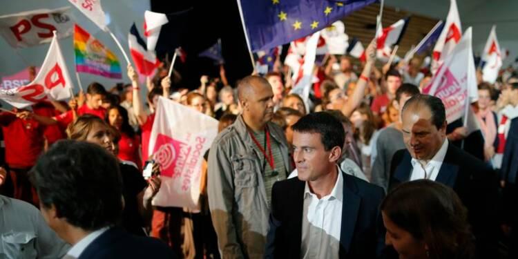 Valls s'efforce de redonner un cap à des socialistes déboussolés