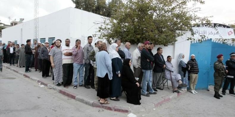 Les Tunisiens votent, à la recherche de la pleine démocratie