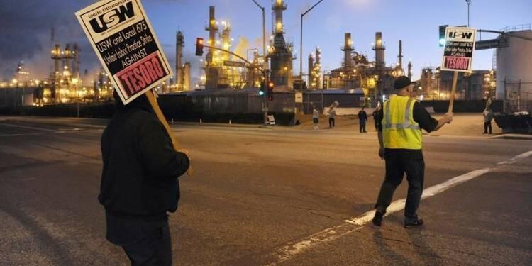 Accord sur la fin de la grève dans les raffineries américaines