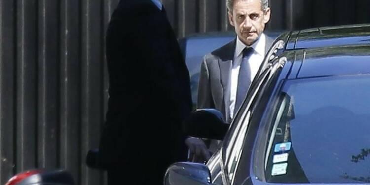 Sarkozy dit vouloir ignorer la marée de boue des affaires