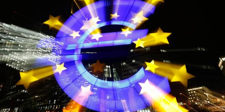 La croissance accélère dans le privé en zone euro, sauf en France