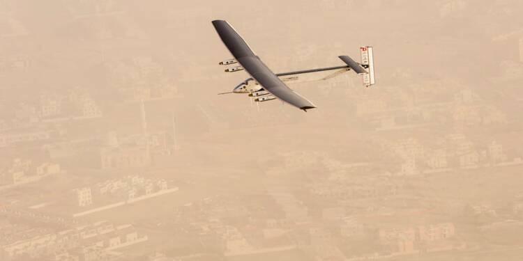 L'avion solaire Solar Impulse 2 a décollé pour un tour du monde