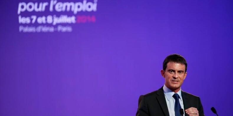 Manuel Valls défend le dialogue social et fustige les postures