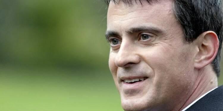 Manuel Valls s'érige en exemple de la fierté de devenir français