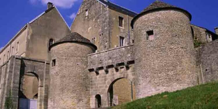 """""""Les Plus Beaux Villages de France"""", un label qui paie"""