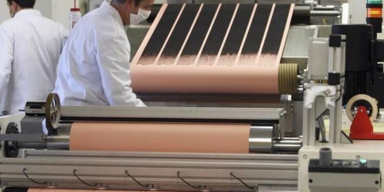 Nouveau recul de l'activité manufacturière en France