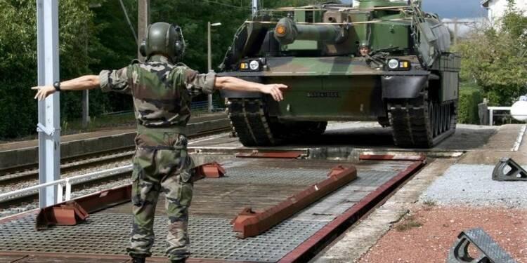 La France restructure son armée sur fond de recherche d'économies