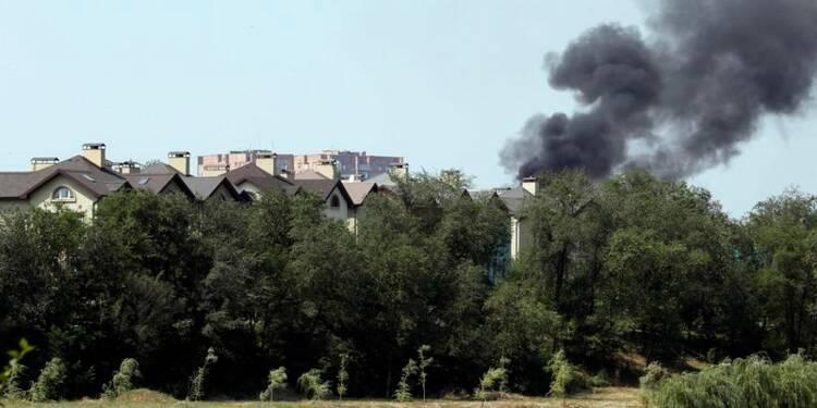 L'étau se resserre autour de Donetsk, démission de chefs rebelles