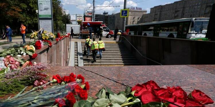 Deux salariés du métro de Moscou arrêtés après l'accident