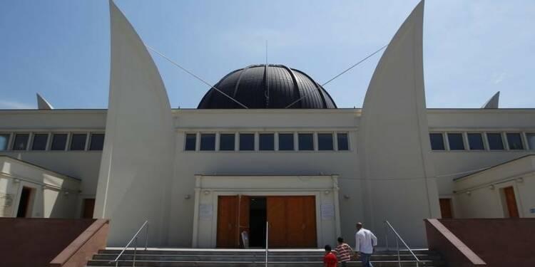 Le portail de la mosquée de Strasbourg percuté par une voiture