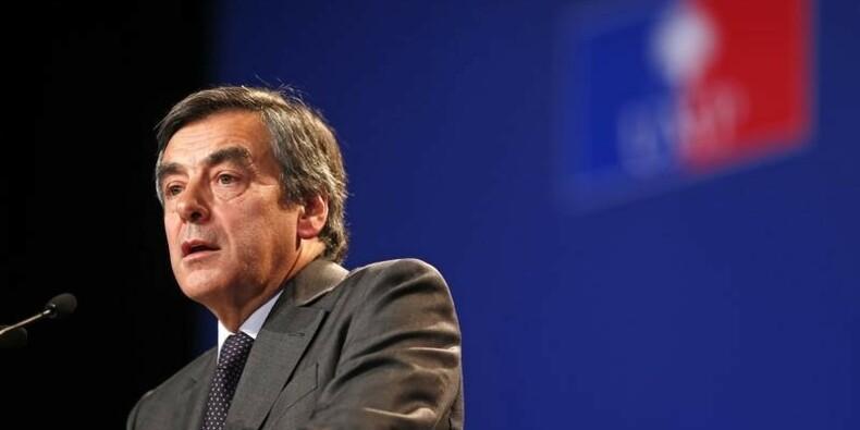 """Fillon appelle Hollande à avoir une """"réaction majeure"""""""