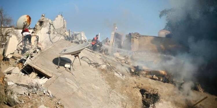 Raids israéliens et tirs de roquettes se poursuivent à Gaza