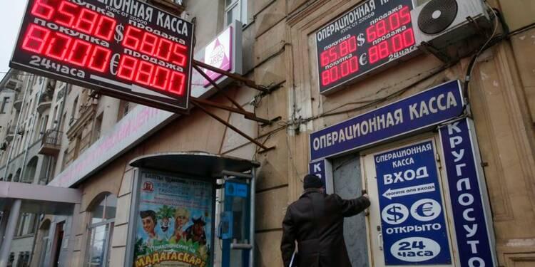 Le rouble rechute, le spectre de 1998 plane sur le marché