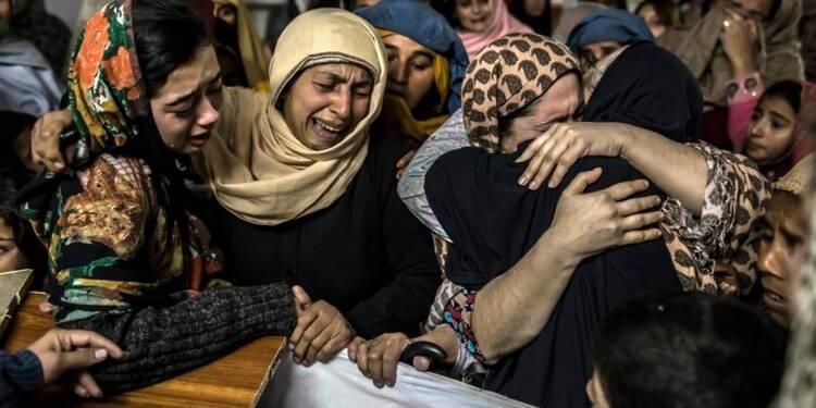Massacre dans une école attaquée par les taliban au Pakistan