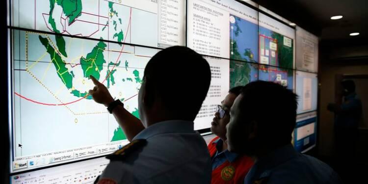 Des débris du vol QZ8501 peut-être localisés en mer de Java