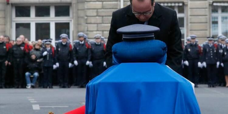 Cérémonie d'hommage aux policiers tués dans les attentats