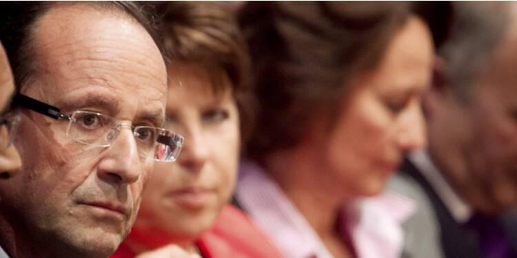 Hollande veut mobiliser l'épargne des Français pour financer la dette