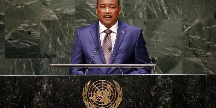 """Le président nigérien """"optimiste"""" pour le dernier otage français"""