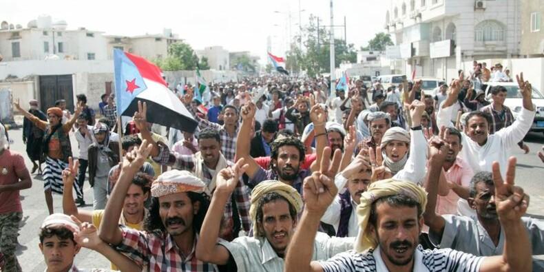 Des milliers de Yéménites défilent contre les rebelles houthis